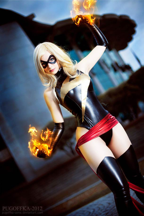 Pin-Up-Miss-Marvel-cosplay-2